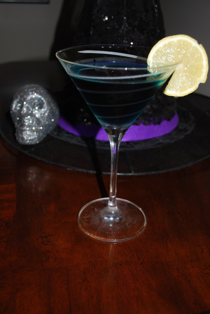 Halloween Cocktail: Witches Brew Martini